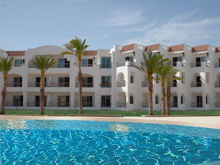 Отель Baron Palms Resort 5*