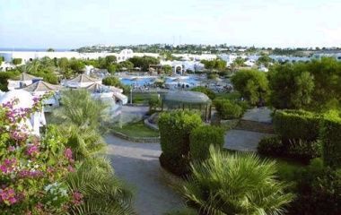 Отель Domina Hotel & Resort Aquamarine Beach 5*