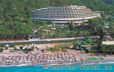 Пляж отеля Olympic Palace Resort Hotel & Convention Center 5*