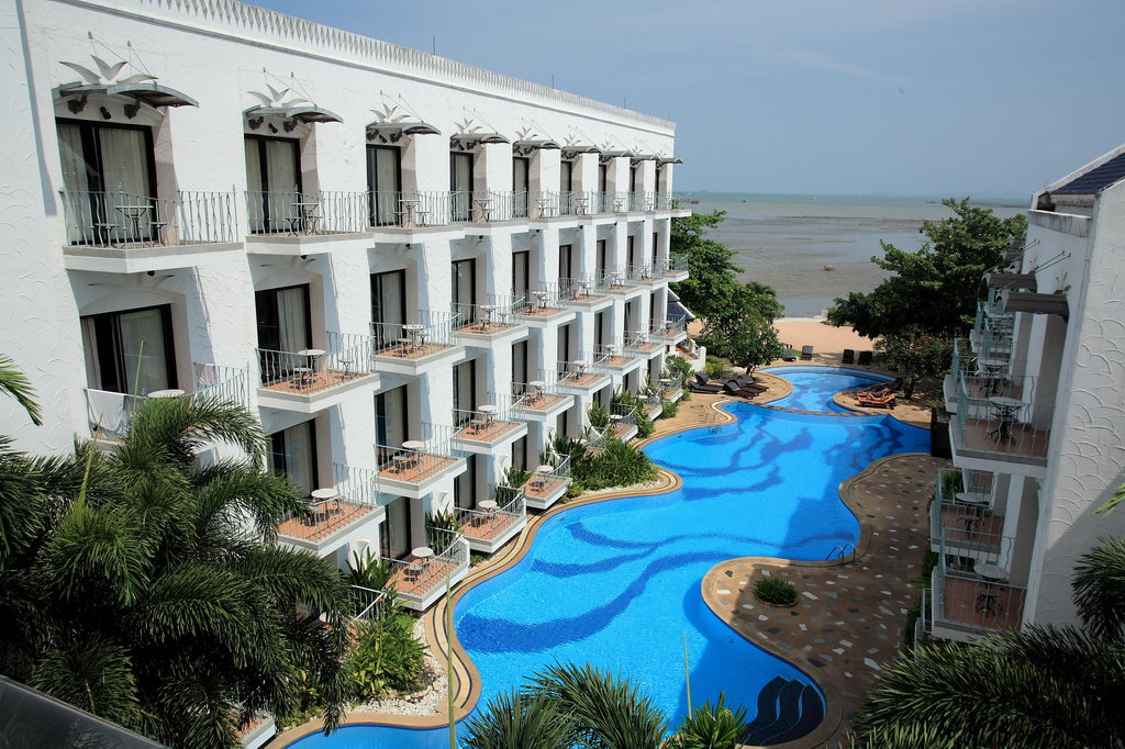 Отель Naklua Beach Resort 3*
